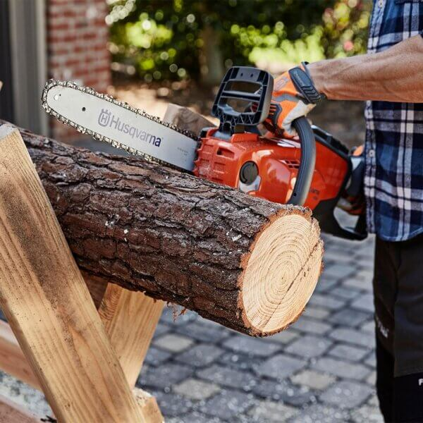 Husqvarna 120i Battery Chainsaw Ideal For Felling Small Trees